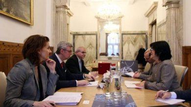 Photo of سفيرة جمهوريّة العراق لدى براغ تلتقي نائب رئيس الوزراء التشيكي