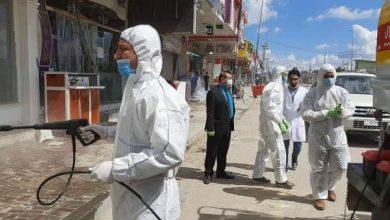 Photo of الملاكات الصحية في النجف الاشرف تنفذ حملة رش لتعقيم الشوارع والمحلات داخل مدينة الكوفة