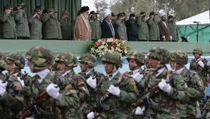 Photo of الجيش الإيراني يطلق تهديداً حاداً للقوات الأمريكية في مياه الخليج