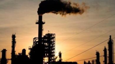 Photo of مخزونات النفط الأمريكية ترتفع بأكثر من المتوقع