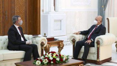 Photo of رئيس الجمهورية يستقبل وزير النفط.. ويؤكد ضرورة إدامة استقرار إنتاج النفط