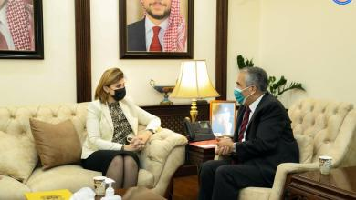 Photo of وزيرة الهجرة والمهجرين تبحث مع وزير الداخلية الاردني أوضاع العراقيين في المملكة وخصوصاً طالبي اللجوء