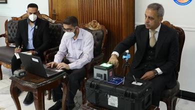 Photo of رئيس مجلس القضاء الأعلى يحدث بطاقته البايومترية