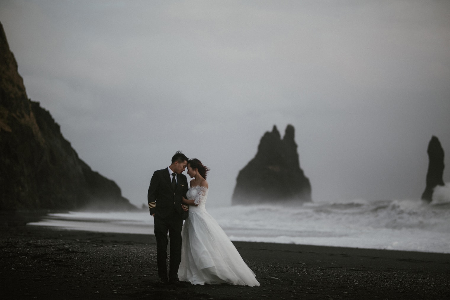 Iceland Elopement couple on beach in South Iceland