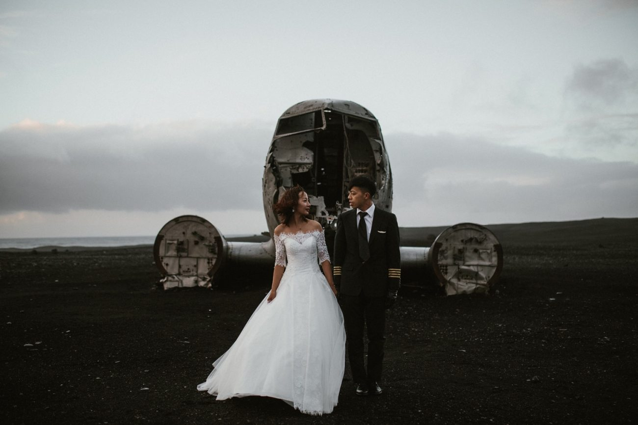 Iceland prewedding at Plane wreck in Iceland