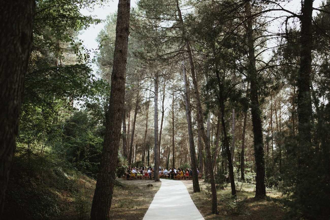 Forest ceremony at Masia la Garriga