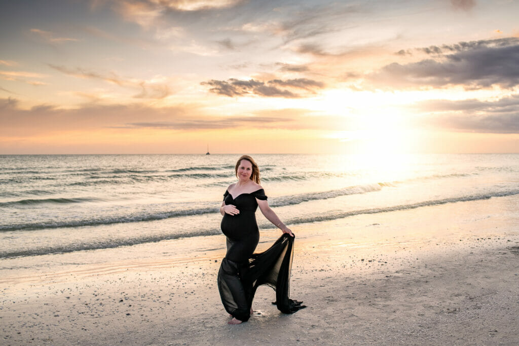 Maternity Photographer in Naples Florida