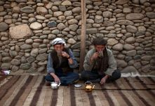 afghan men tea