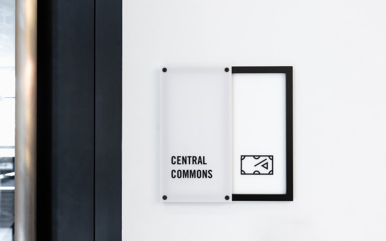 10_AshtonDesign_Central-24