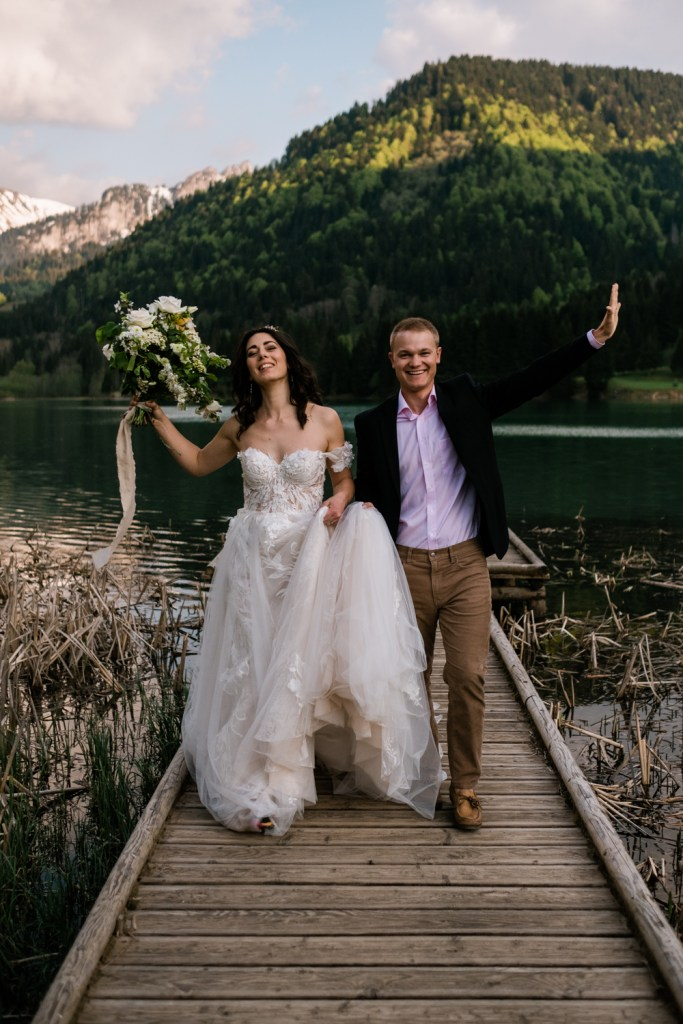 Cheers to adventurous couples who choose adventure weddings!