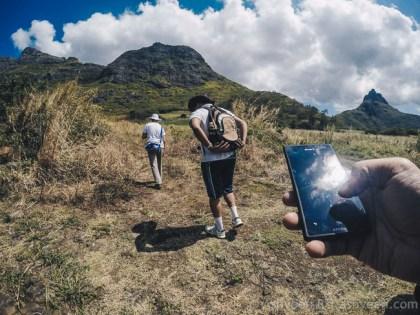 Hiking Trois Mamelles - Start of Track