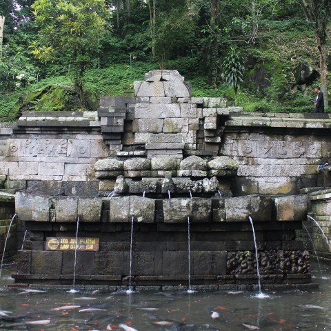 Candi Jolotundo (977), East Java