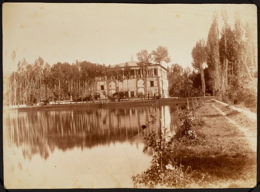 Sevruguin, Antoin,; b&w ; 22.7 cm. x 16.7 cm.; Stephen Arpee Collection of Sevruguin Photographs. Freer Gallery of Art and Arthur M. Sackler Gallery Archives. Smithsonian Institution, Washington D.C., 2011.
