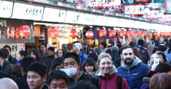 Visitors to Japan hit the record high in 2018 but forgo shopping sprees