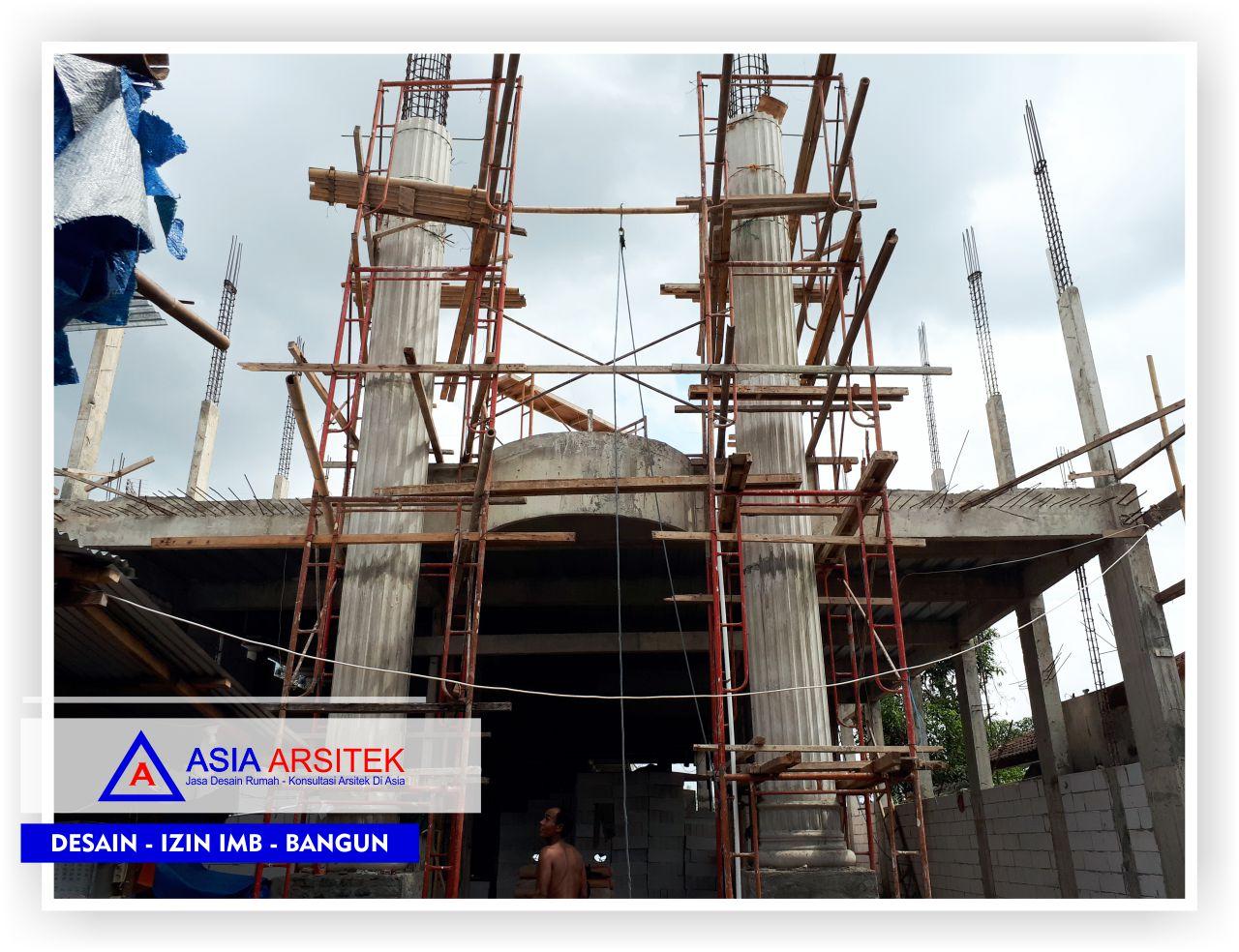Proses-pemasangan-pilar-rumah