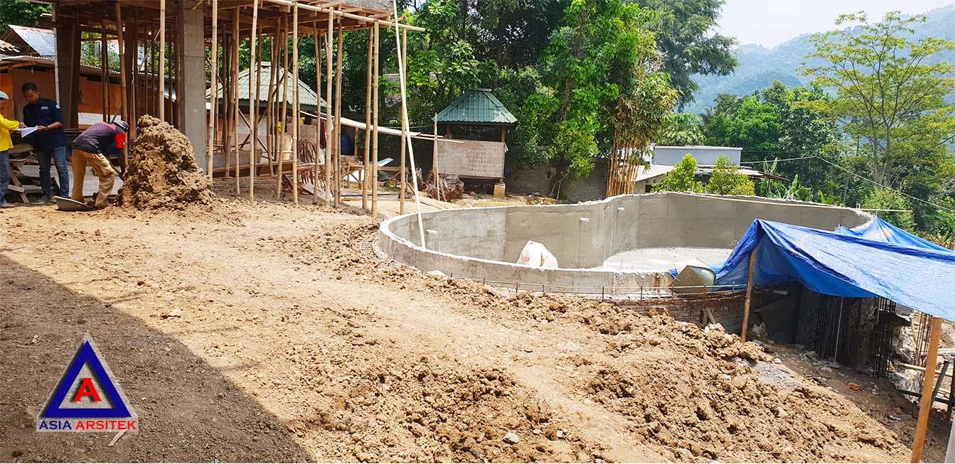Proses Pembuatan Kolam Renang Realisasi Desain Villa Mewah Bu Kartini Di Sentul Bogor