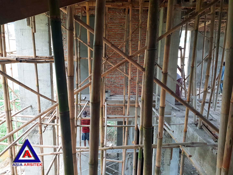 Pemasangan Scaffolding Realisasi Desain Villa Mewah Bu Kartini Di Sentul Bogor