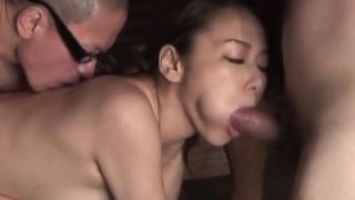Japanese girl in threesome in a bath