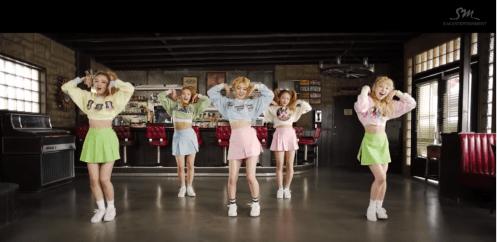 """Red Velvet in """"Ice Cream Cake"""""""