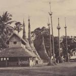 Rangoon: Henzas on the East Side of the Shwe Dagon Pagoda, 1855, 26.1 x 34.3 cm