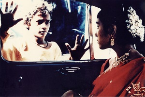 SALAAM_BOMBAY_car_window