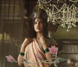 Priyanka Chopra as Kashibai in Bajirao Mastaniadj2