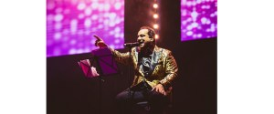 Ustad Rahat Fateh Ali Khan Bollywood Bonanaza And Qawwali Master Seduces Mostly Asian Culture Vulture Asian Culture Vulture