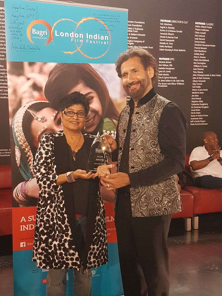 Professor Pratibha Parmar, a filmmaker from Shakti (a pioneering LGBT+ campaign group) receives LIFF Icon Award from Cary Rajinder Sawhney, founder and director LIFF
