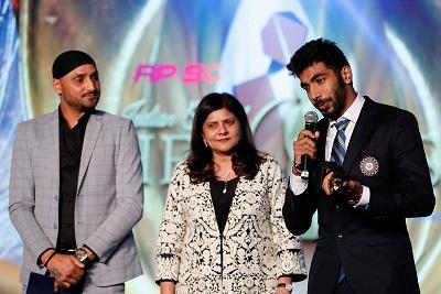Harbhajan SIngh, Preeti Goenka present Jasprit Bumrah with bowler of the year (Male)