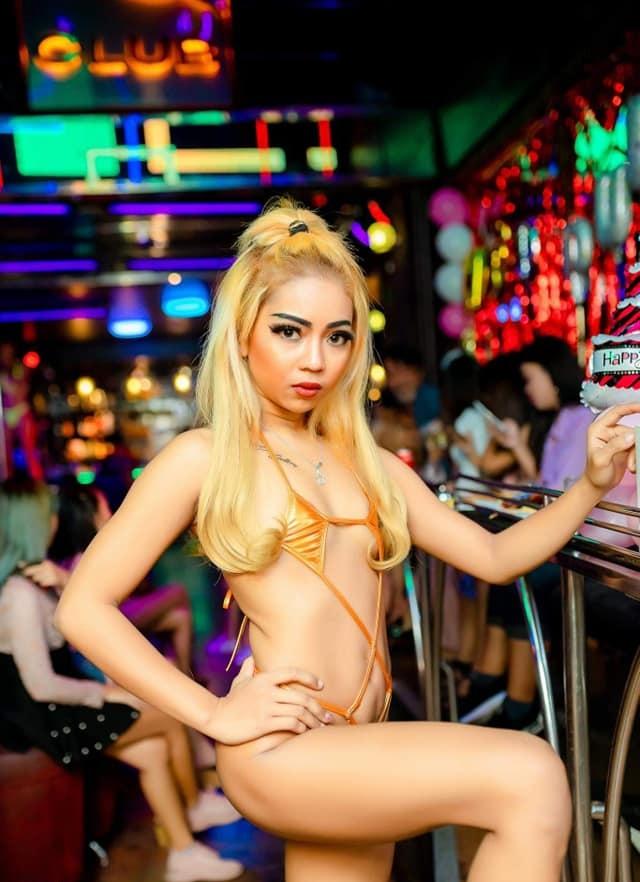 Blonde Thai bargirl