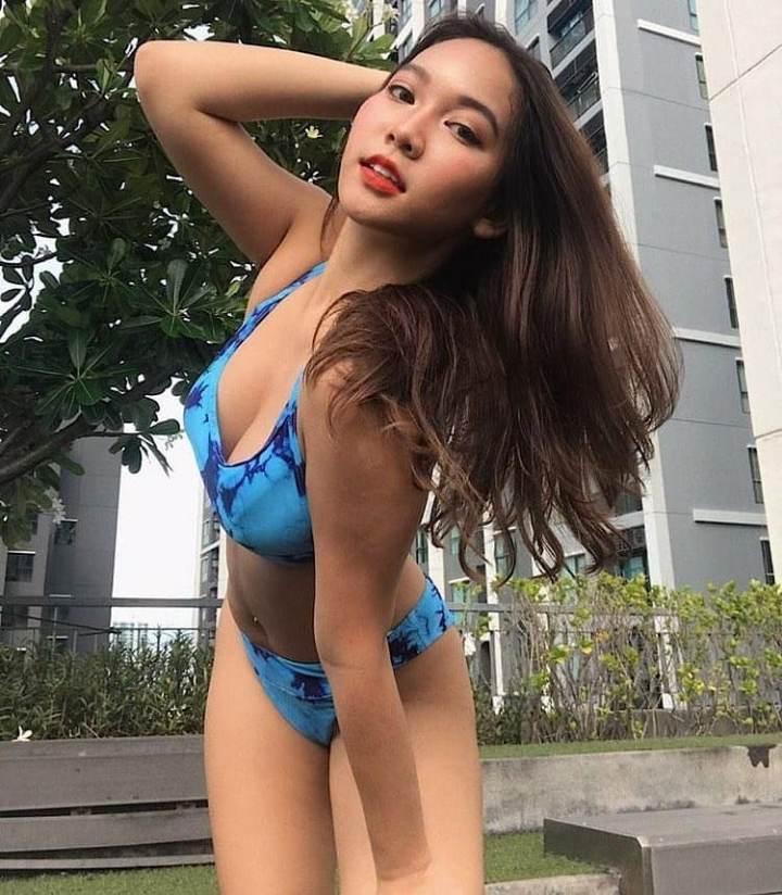 Cute sexy asian babe