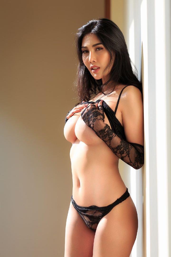 Asian babe lingerie