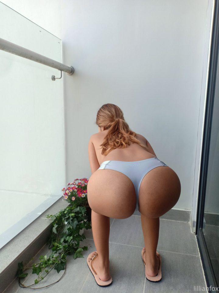 LillianFox booty