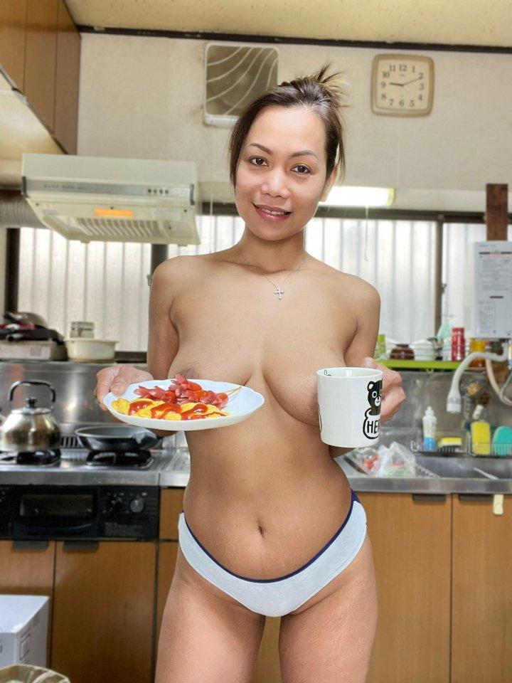 Hot asian granny Gigi breakfast