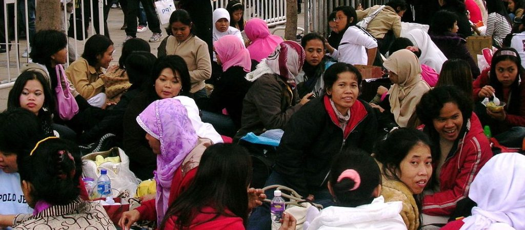 Indonesian domestic workers in Hong Kong (Wikimedia Commons)
