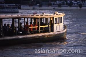 タイ バンコク・チャオプラヤ川・フェリー