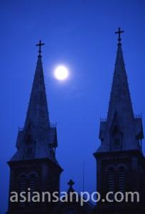 ベトナム ホーチミン・サイゴン大教会夜明け