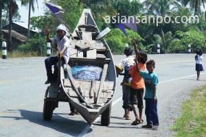 カンボジア 舟