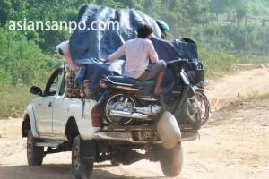 カンボジア 車