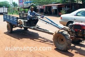 カンボジア 耕運機