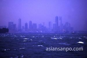 シンガポール 沖合いから