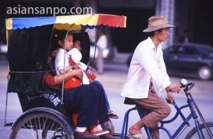 カンボジア リキシャー