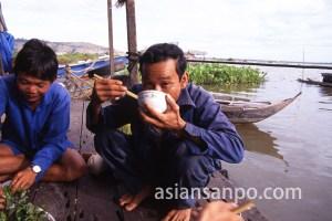 カンボジア トンレサップ湖・水上生活