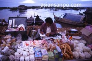 カンボジア トンレサップ湖 店