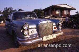 タイ ハートクライ村・成金車