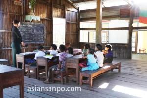 ミャンマー 小学校