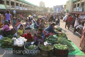 ミャンマー ミッチーナ 市場