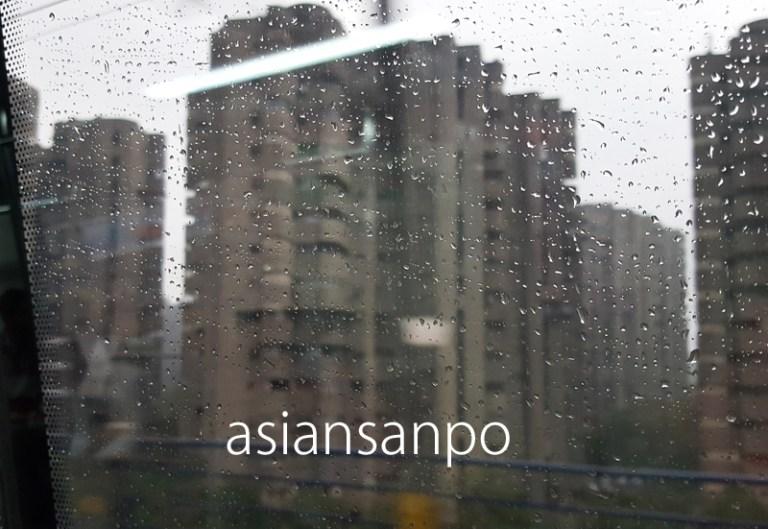 インド ニューデリー 雨