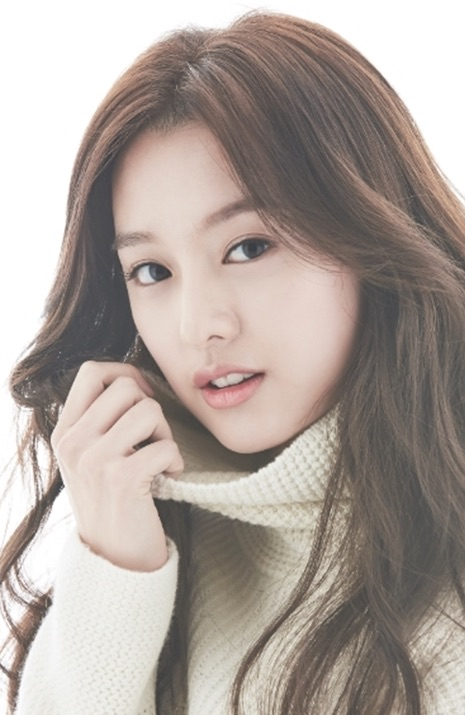Kim Ji-Won (1992)-p3.jpg