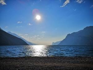 Jeziora Garda i góry wokół